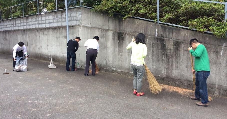 アーティスティックス掃除の風景